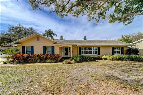 Photo of 1630 GOLF VIEW DRIVE, BELLEAIR, FL 33756 (MLS # U8078299)