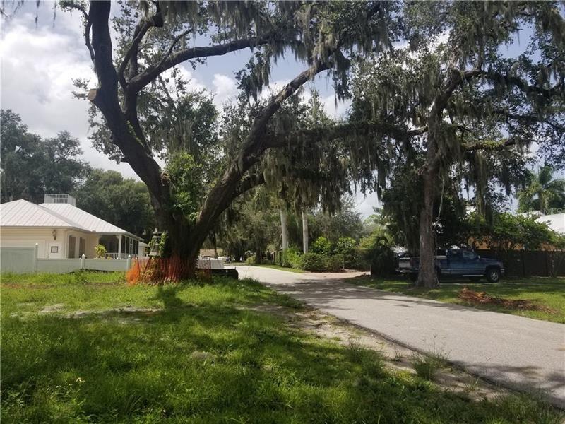 Photo of 1630 FIRST AVENUE E, BRADENTON, FL 34208 (MLS # A4476299)