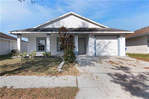 Photo of 15524 FLORIDA BREEZE LOOP, WIMAUMA, FL 33598 (MLS # O5852301)