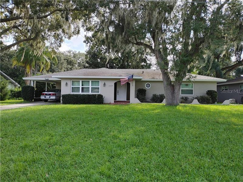 1208 N SINCLAIR AVENUE, Tavares, FL 32778 - #: G5033301