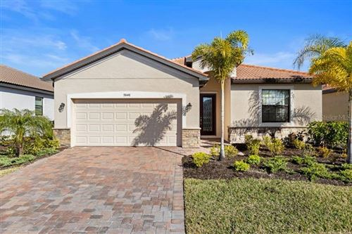 Photo of 9848 WINGOOD DRIVE, VENICE, FL 34292 (MLS # N6113303)