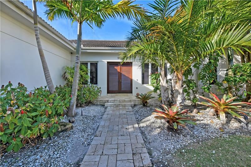 Photo of 4101 GULF OF MEXICO DRIVE, LONGBOAT KEY, FL 34228 (MLS # A4460304)