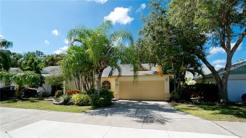 Photo of 4214 SAINT CHARLES DRIVE, SARASOTA, FL 34243 (MLS # A4474306)