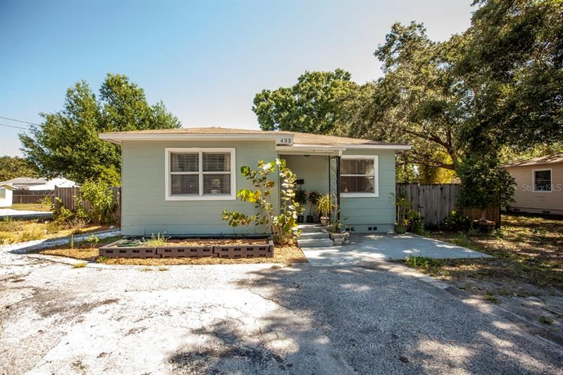 Photo of 433 ROTARY PLACE NE, ST PETERSBURG, FL 33703 (MLS # N6115306)