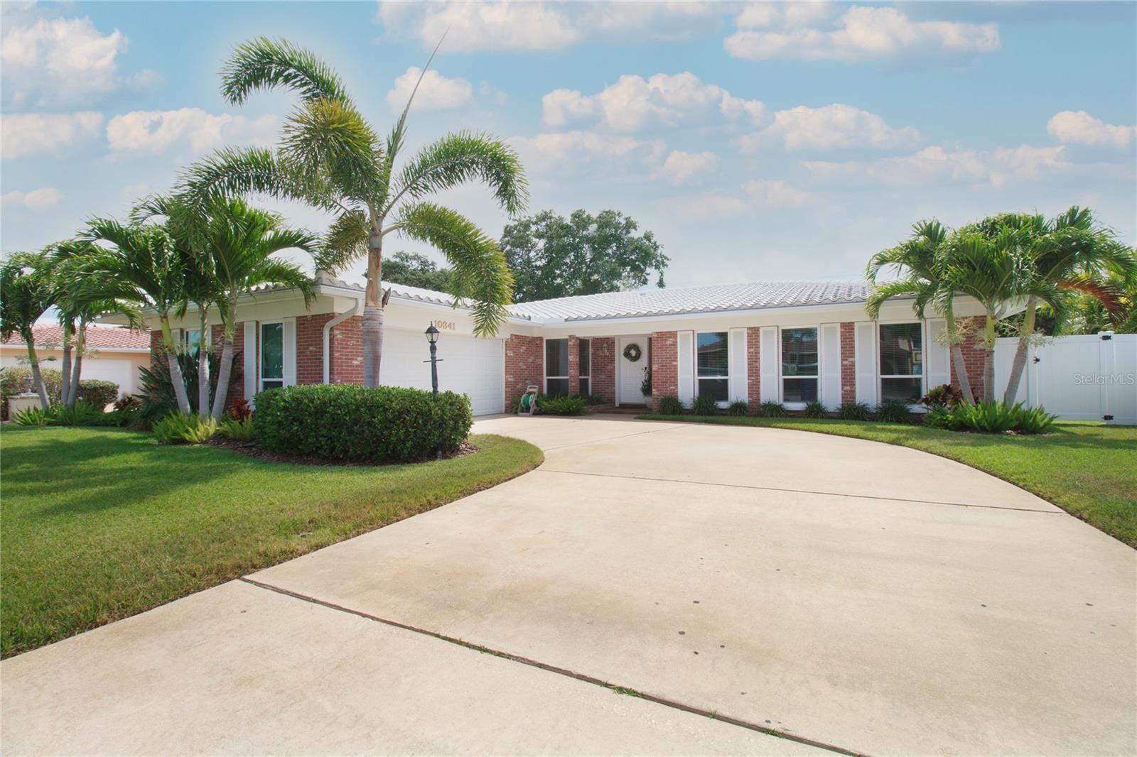 10341 IMPERIAL POINT DRIVE W, Largo, FL 33774 - #: U8126306