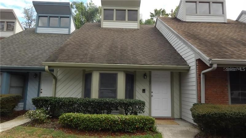 5207 OAK CHARTER COURT, Temple Terrace, FL 33617 - #: T3268311