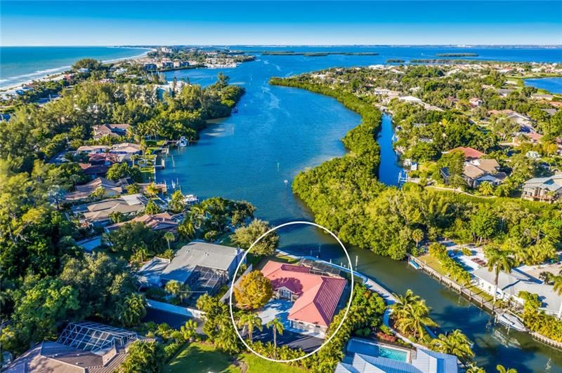 Photo of 1A WINSLOW PLACE #A, LONGBOAT KEY, FL 34228 (MLS # A4453312)