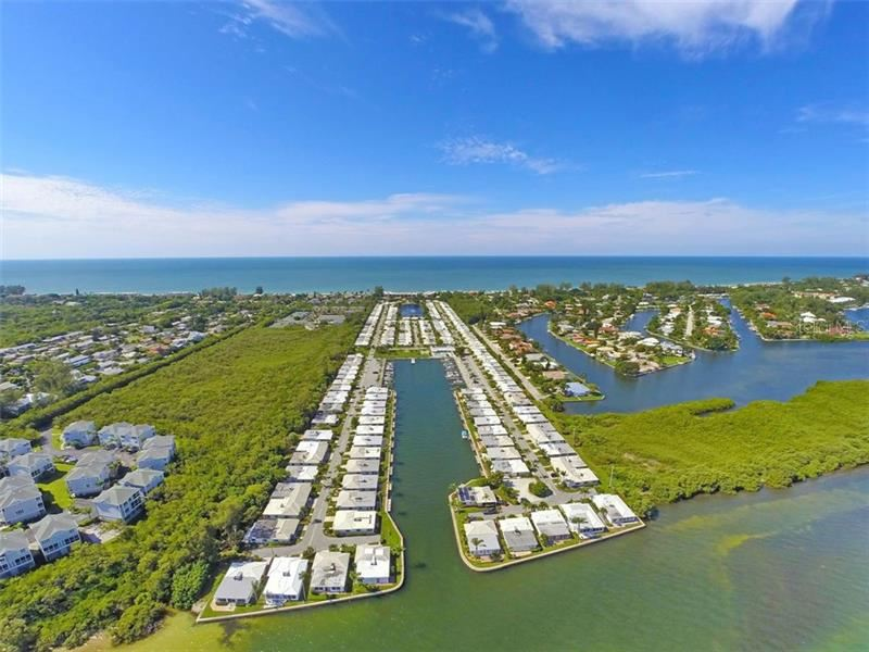 Photo of 739 EL CENTRO, LONGBOAT KEY, FL 34228 (MLS # A4480313)
