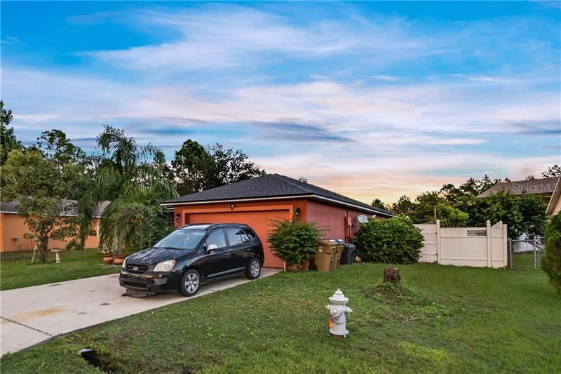 Photo of 846 GLASTONBURY DRIVE, KISSIMMEE, FL 34758 (MLS # O5902315)