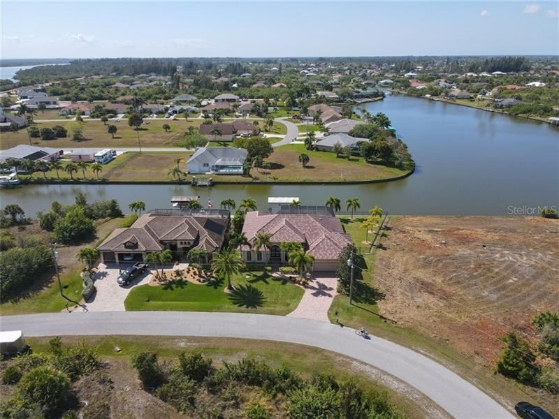 8126 CLYDE CIRCLE, Port Charlotte, FL 33981 - #: D6117319