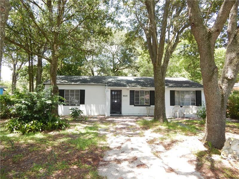 9528 N DARTMOUTH AVENUE, Tampa, FL 33612 - #: T3257321