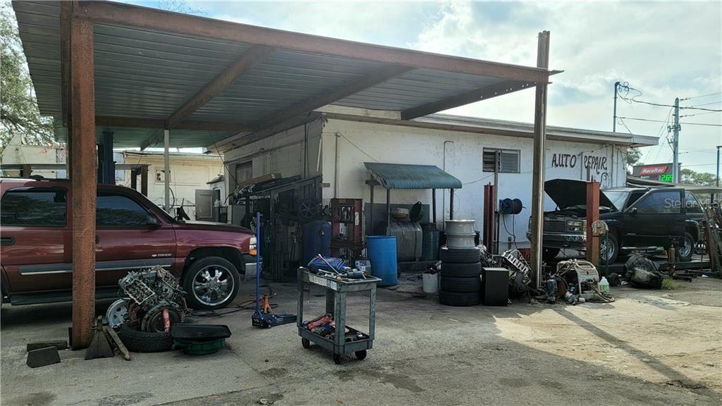 Photo of 1016 36TH AVENUE E, ELLENTON, FL 34222 (MLS # A4489328)