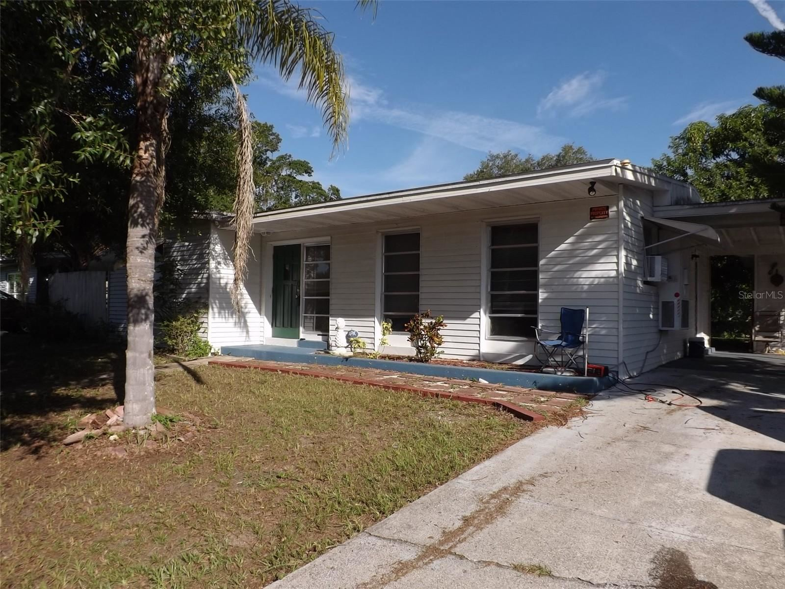 Photo of 22194 HERNANDO AVENUE, PORT CHARLOTTE, FL 33952 (MLS # C7446329)