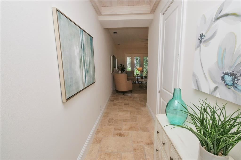 Photo of 7814 HIDDEN CREEK LOOP #102, LAKEWOOD RANCH, FL 34202 (MLS # U8109331)