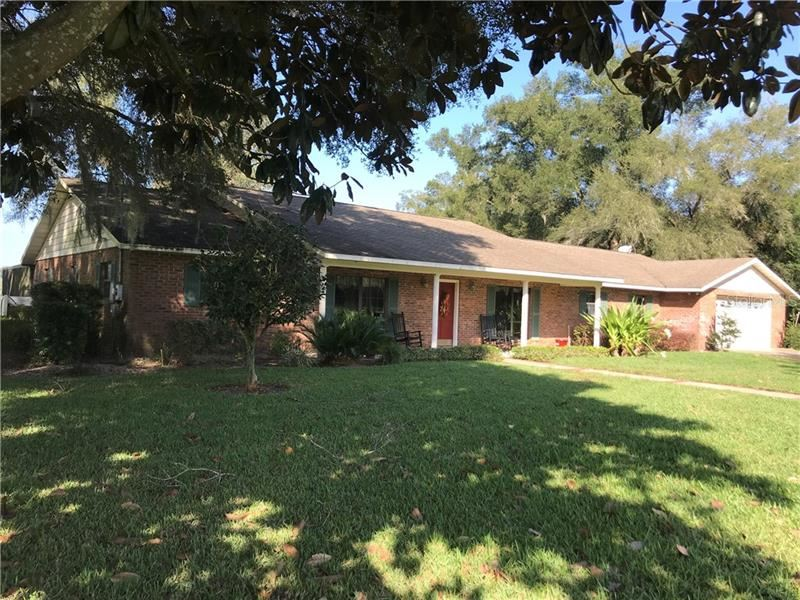 Photo for 4825 GRIFFINVIEW DRIVE, LADY LAKE, FL 32159 (MLS # G5036335)