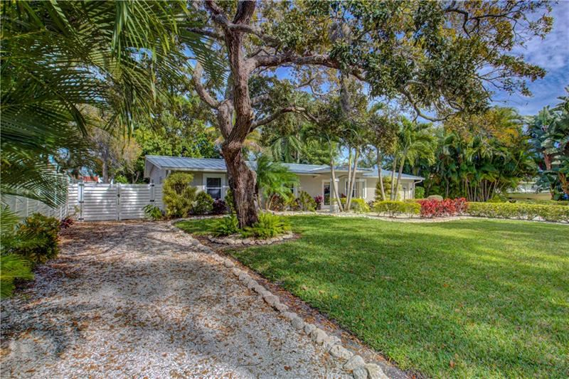 Photo of 7313 STARFISH DRIVE, SARASOTA, FL 34231 (MLS # A4462337)