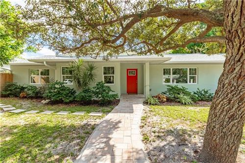 Photo of 2124 CHIPPAWA PLACE, SARASOTA, FL 34234 (MLS # A4460338)