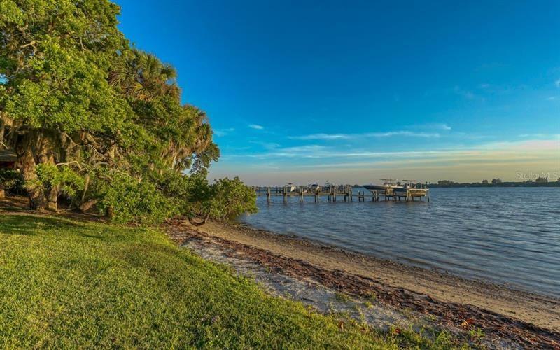 Photo of 223 PALMETTO AVENUE, OSPREY, FL 34229 (MLS # A4499339)