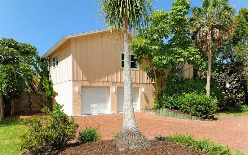 322 ISLAND CIRCLE, Sarasota, FL 34242 - #: A4473345