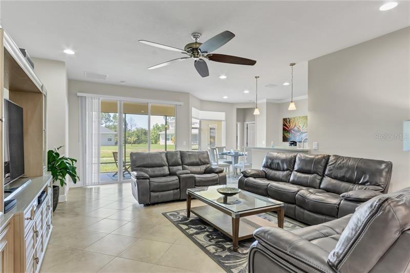 Photo of 6206 49TH COURT E, ELLENTON, FL 34222 (MLS # A4464346)