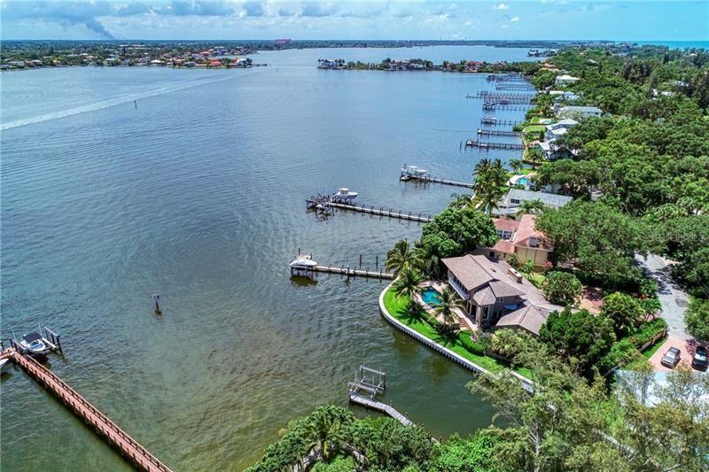 Photo of 1294 WHITEHALL PLACE, SARASOTA, FL 34242 (MLS # A4471347)
