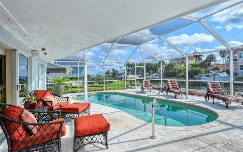 Photo of 548 CUTTER LANE, LONGBOAT KEY, FL 34228 (MLS # U8101347)