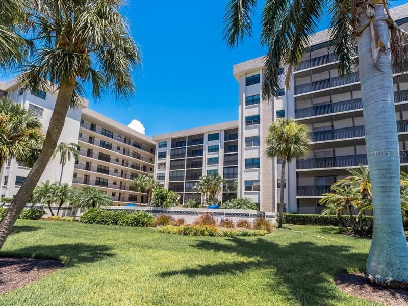 Photo of 1001 BENJAMIN FRANKLIN DRIVE #302, SARASOTA, FL 34236 (MLS # A4478349)