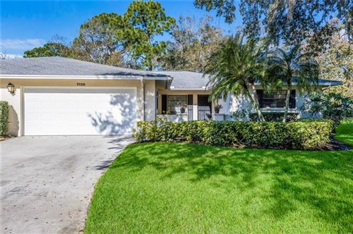 Photo of 7156 FAIRWAY BEND CIRCLE, SARASOTA, FL 34243 (MLS # A4458350)