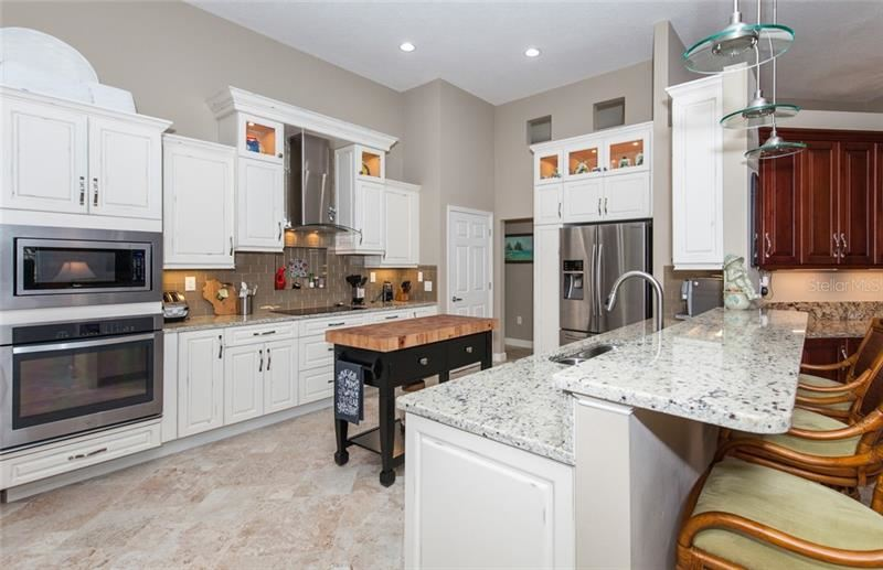 Photo of 635 CROSSFIELD CIRCLE #17, VENICE, FL 34293 (MLS # N6112351)