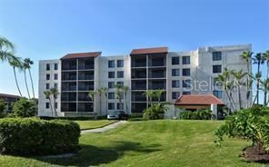 Photo of 1945 GULF OF MEXICO DRIVE #M2-308, LONGBOAT KEY, FL 34228 (MLS # A4492356)