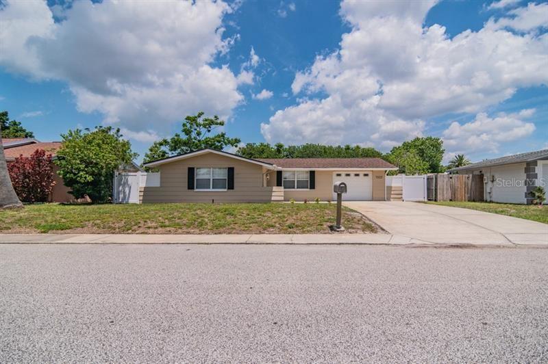 7225 ROBSTOWN DRIVE, Port Richey, FL 34668 - MLS#: W7833364