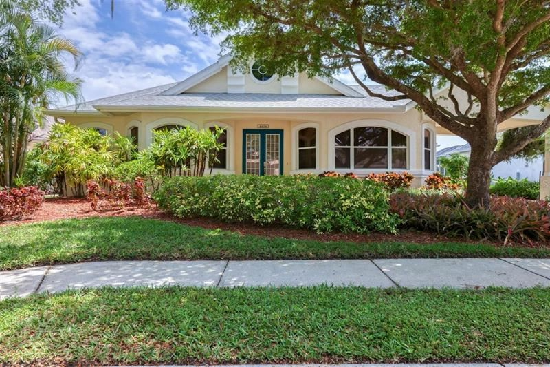 Photo of 4616 BARRACUDA DRIVE, BRADENTON, FL 34208 (MLS # T3302369)