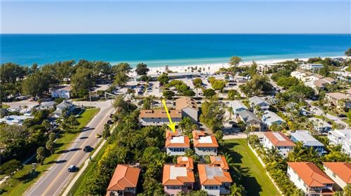 Photo of 4003 4TH AVENUE, HOLMES BEACH, FL 34217 (MLS # U8108372)