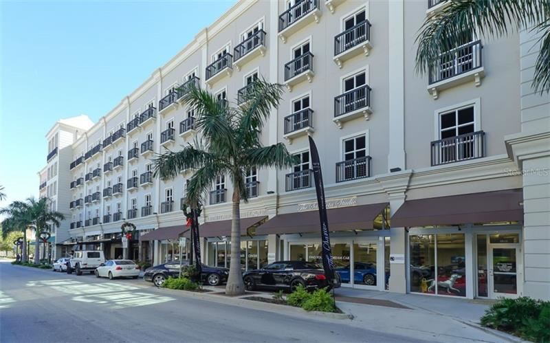 Photo of 1500 STATE STREET #605, SARASOTA, FL 34236 (MLS # A4458373)