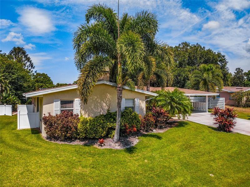516 E LAKE DRIVE, Sarasota, FL 34232 - #: N6115383
