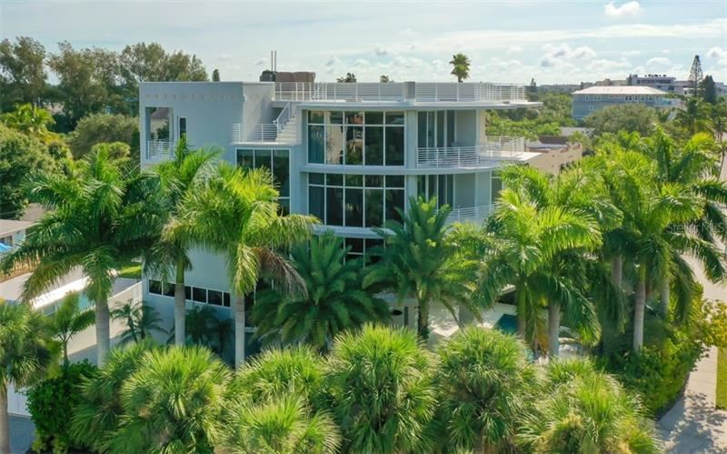 Photo of 501 BEACH ROAD #B, SARASOTA, FL 34242 (MLS # A4481389)