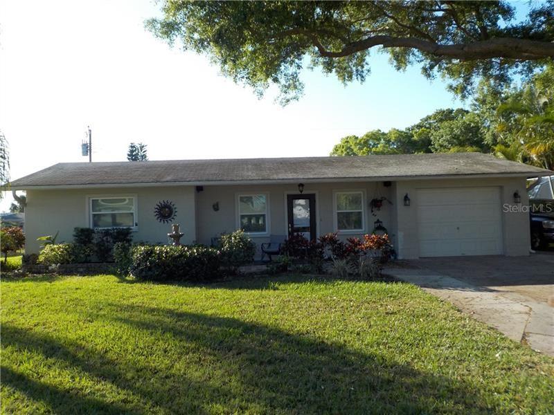 Photo of 252 DURIAN ROAD, VENICE, FL 34293 (MLS # T3237390)