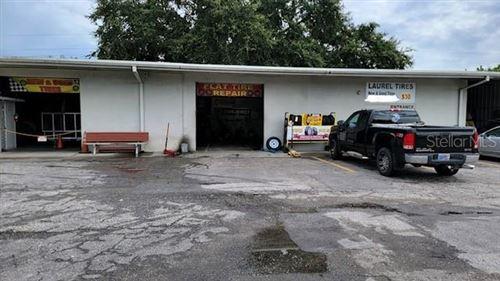 Photo of 413 LAUREL ROAD E, NOKOMIS, FL 34275 (MLS # C7449391)