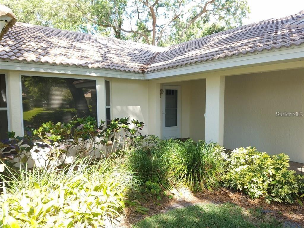 Photo of 5508 GARDEN LAKES OAK, BRADENTON, FL 34203 (MLS # A4504391)