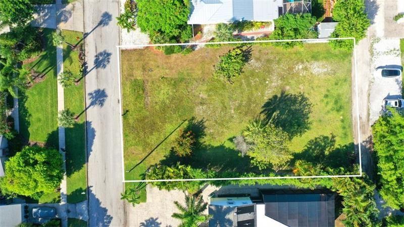 Photo of 690 RUSSELL STREET, LONGBOAT KEY, FL 34228 (MLS # A4469394)