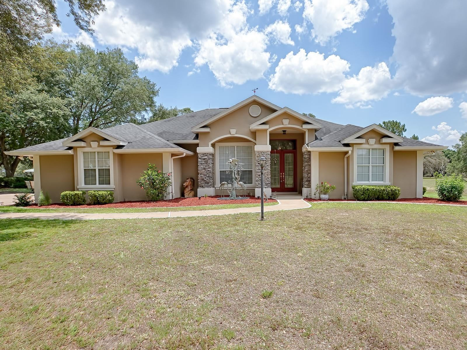 Photo for 2338 MARION COUNTY ROAD, WEIRSDALE, FL 32195 (MLS # G5042397)