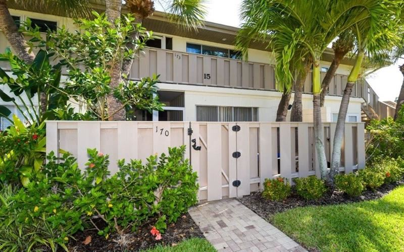 Photo of 6750 GULF OF MEXICO DRIVE #170, LONGBOAT KEY, FL 34228 (MLS # A4468398)