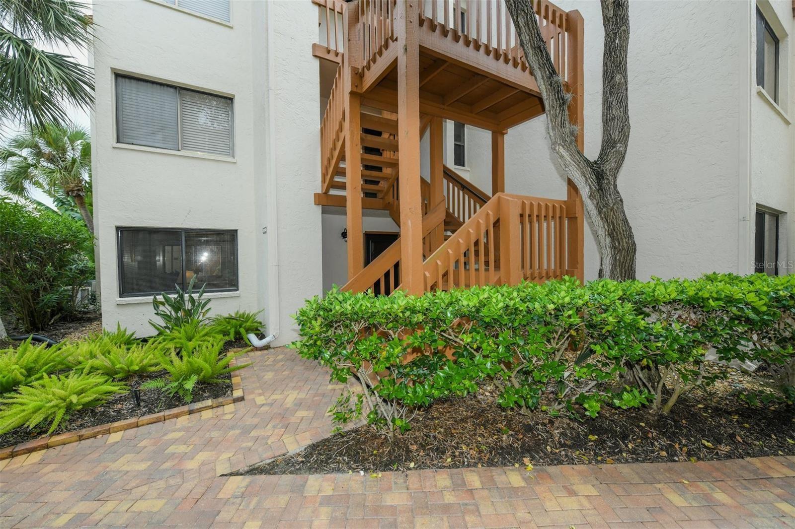 Photo of 1600 COVE II PLACE #413, SARASOTA, FL 34242 (MLS # A4512400)