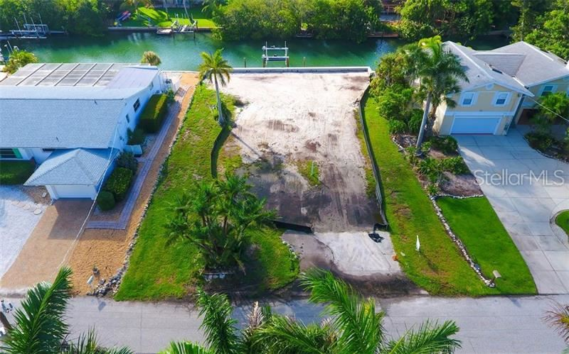 Photo of 724 MARBURY LANE, LONGBOAT KEY, FL 34228 (MLS # A4439404)