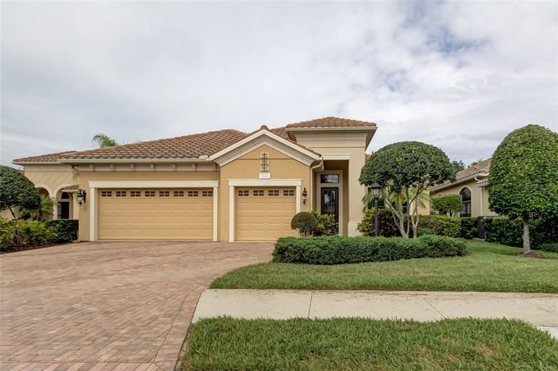 7246 LAKE FOREST GLEN, Lakewood Ranch, FL 34202 - #: U8123404