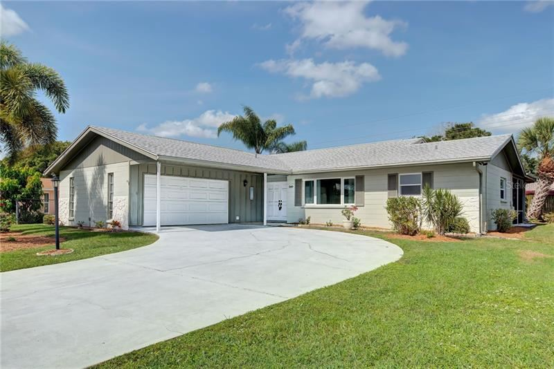 Photo of 549 GLEN OAK ROAD, VENICE, FL 34293 (MLS # N6112407)