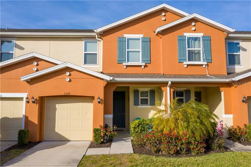 Photo of 5109 KILLARNEY WAY, KISSIMMEE, FL 34746 (MLS # O5918407)
