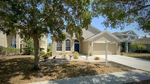 Photo of 5132 CLOVER MIST DRIVE, APOLLO BEACH, FL 33572 (MLS # T3233414)