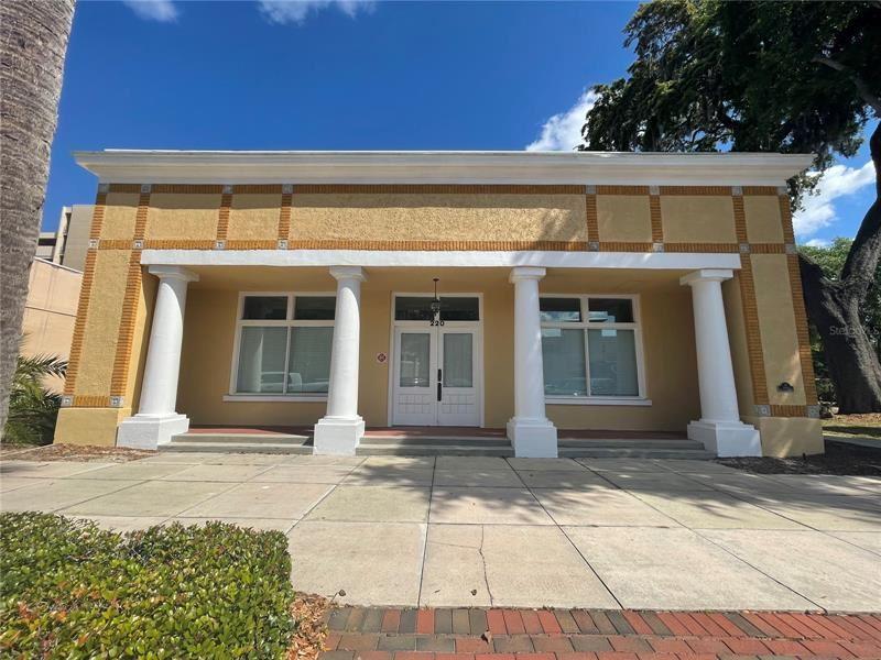 220 W MAIN STREET, Tavares, FL 32778 - #: G5041414