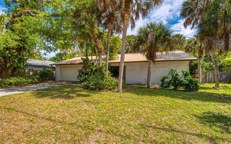 2275 LINWOOD DRIVE, Sarasota, FL 34232 - #: A4462423